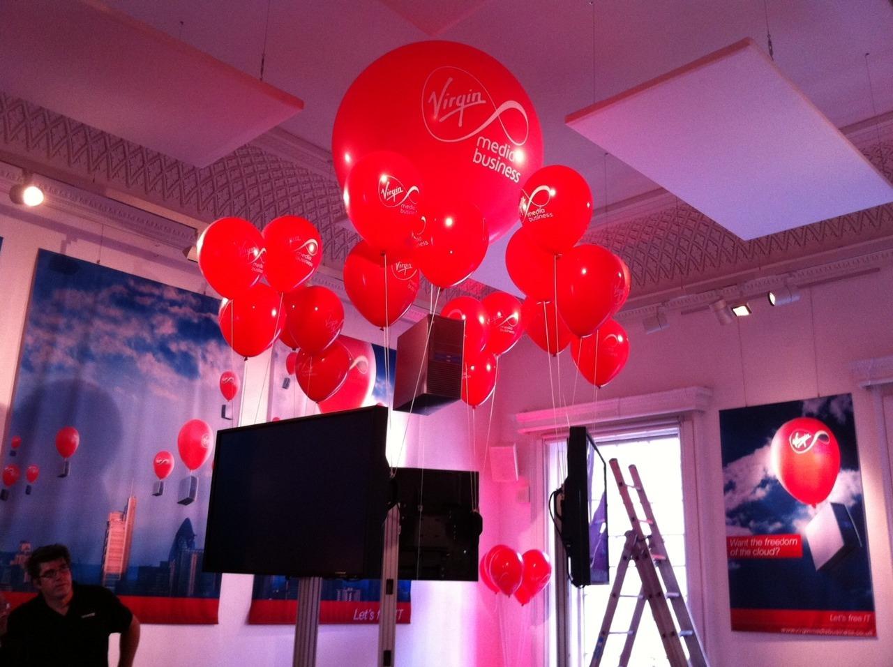 large-balloons-lifting-computers