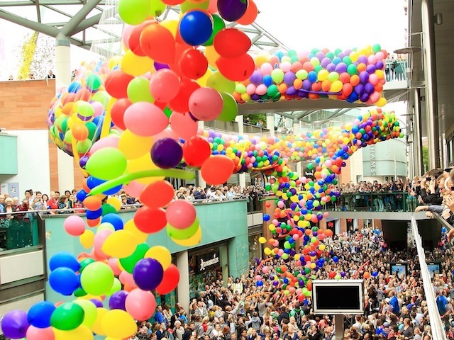 Liverpool One, 7000 Balloon Drop